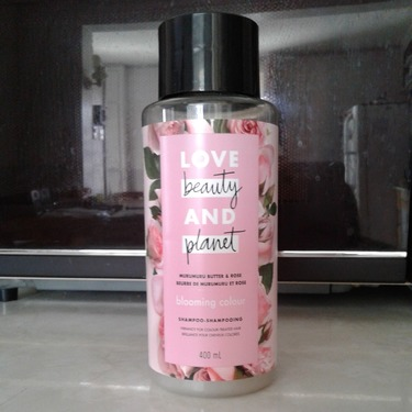 Love Beauty & Planet Murumuru Butter & Rose Blooming Colour Shampoo