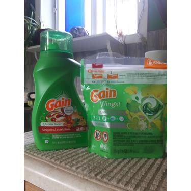 Gain Flings Tropical Sunrise Scent Laundry Detergent