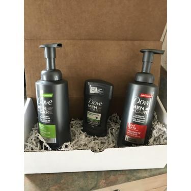 Dove Men+Care Deep Clean Foaming Body Wash