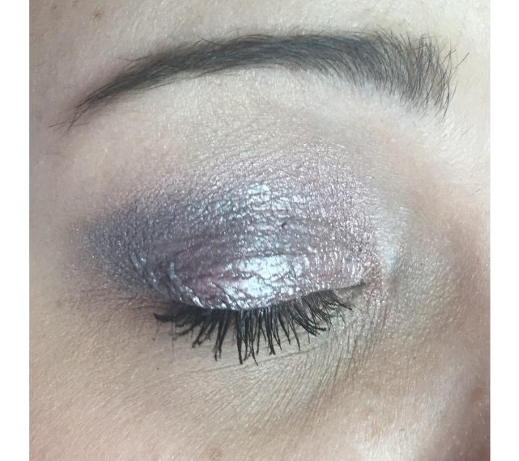 Eye pigment makeup