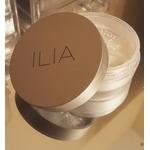 Ilia Fade Into You Soft Focus Finishing Powder