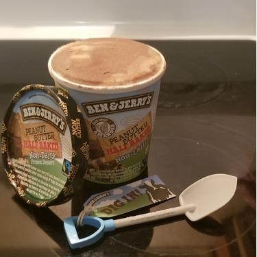 Ben & Jerry's Non-Dairy: Peanut Butter Half Baked