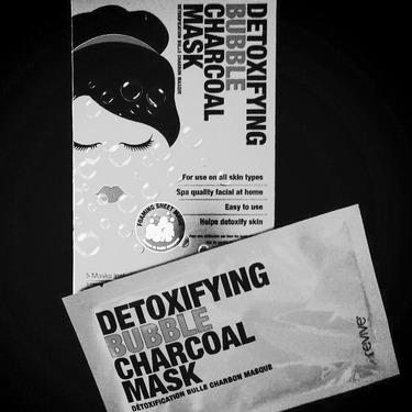 Revive Detoxifying Charcoal Bubble Mask