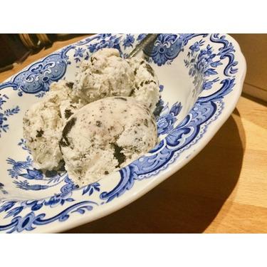 Breyers Non-Dairy Cookies & Creme