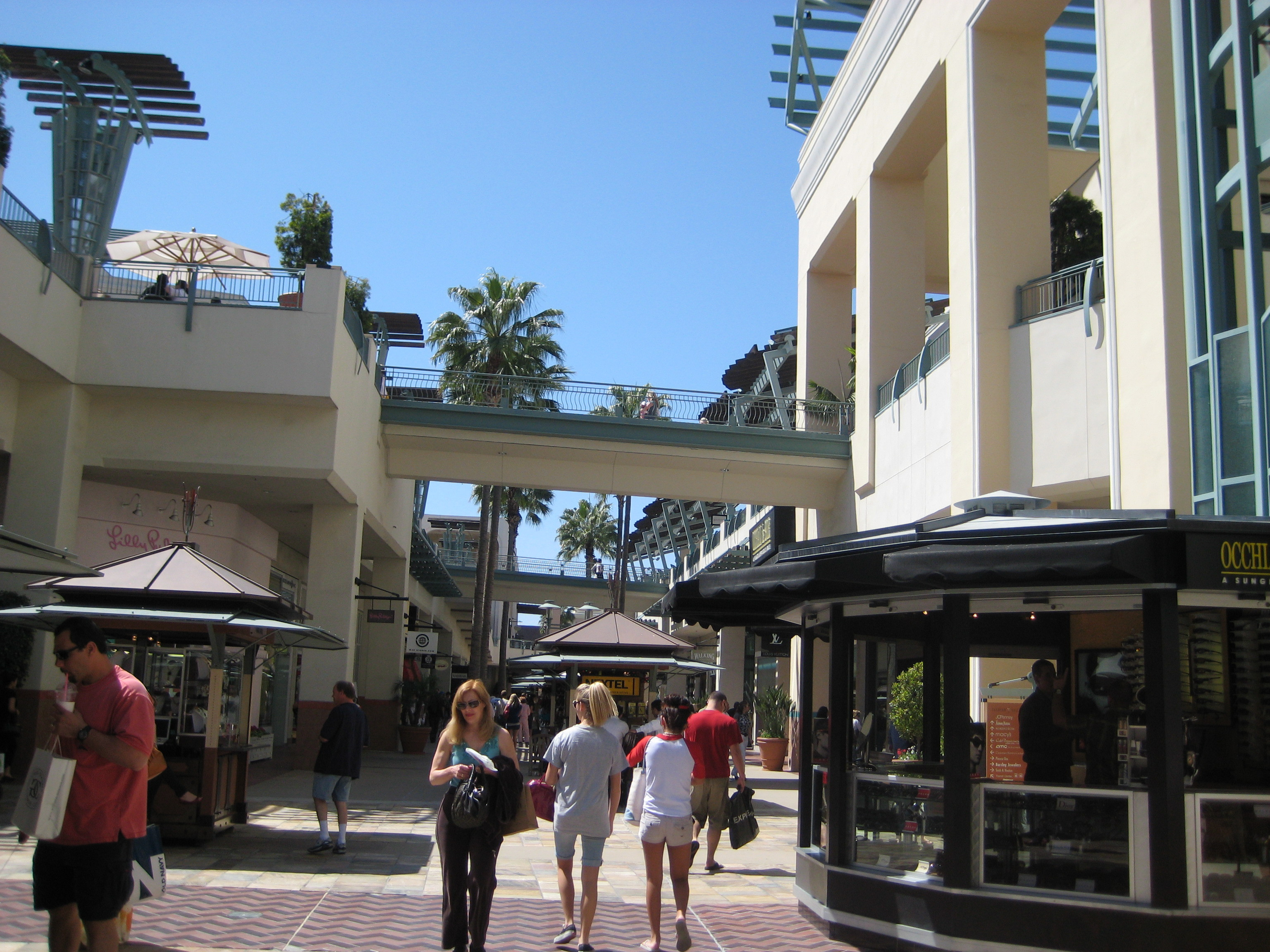 fashion valley store: