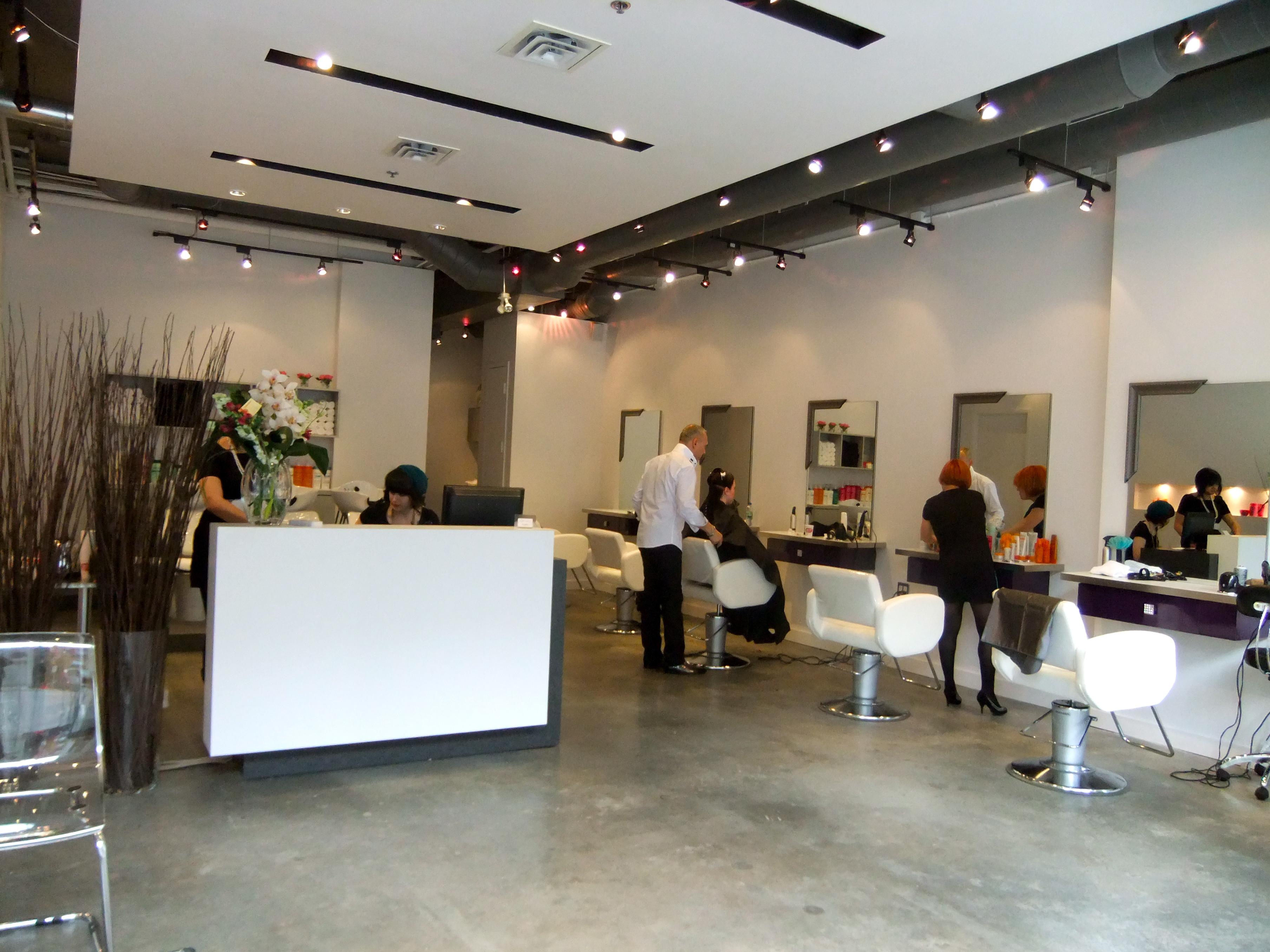 Del monaco hair studio 388 richmond street west toronto for 901 salon prices