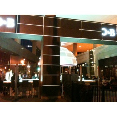 O & B Cafe Grill - Yonge & Front