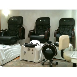 Concepts Salon & Spa - 60 Bloor St. W