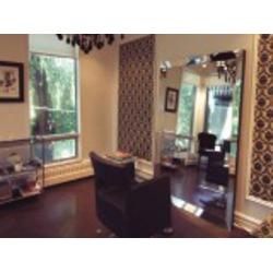 186 Davenport Salon